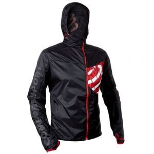 chaqueta compressport hurricane